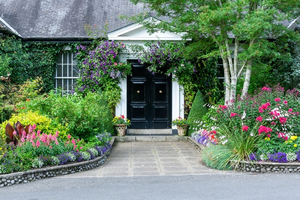 Beautiful cottage style home with amazing front garden